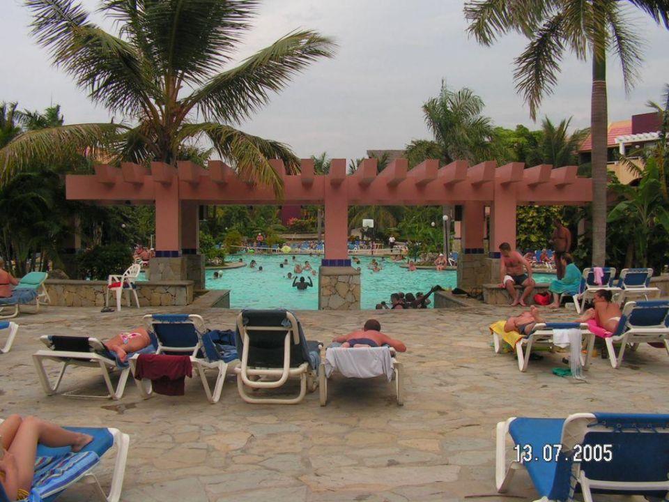 Der grosse Pool Amhsa Casa Marina Beach