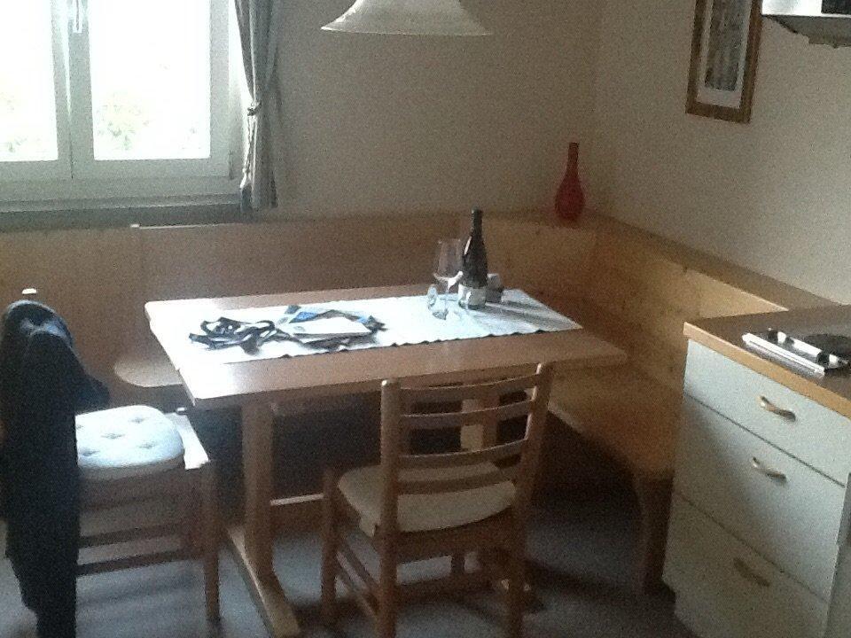 Sitzecke Küche mit Begrüßungswein\