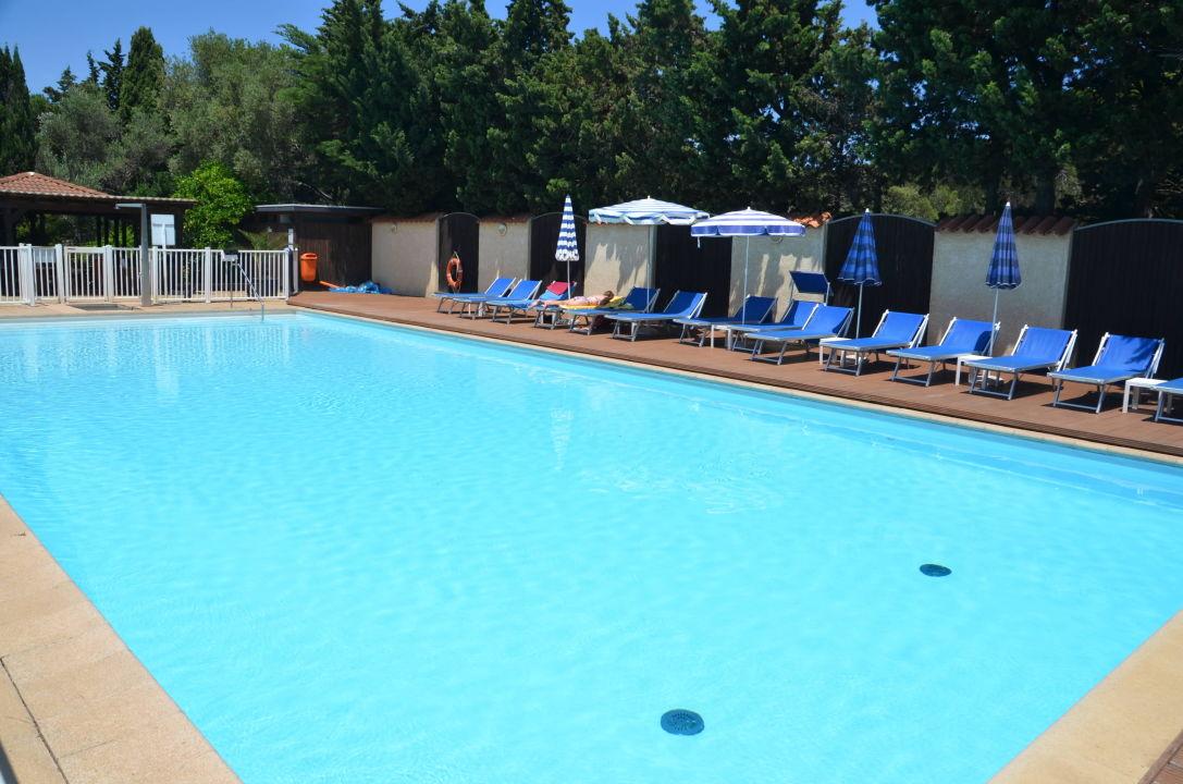 Swimmingpool feriendorf zum st rrischen esel calvi holidaycheck korsika frankreich - Pool zum aufpumpen ...