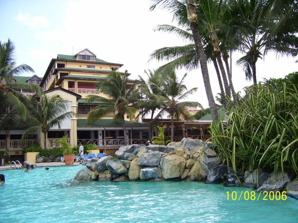 Pool Hotel Coral Costa Caribe