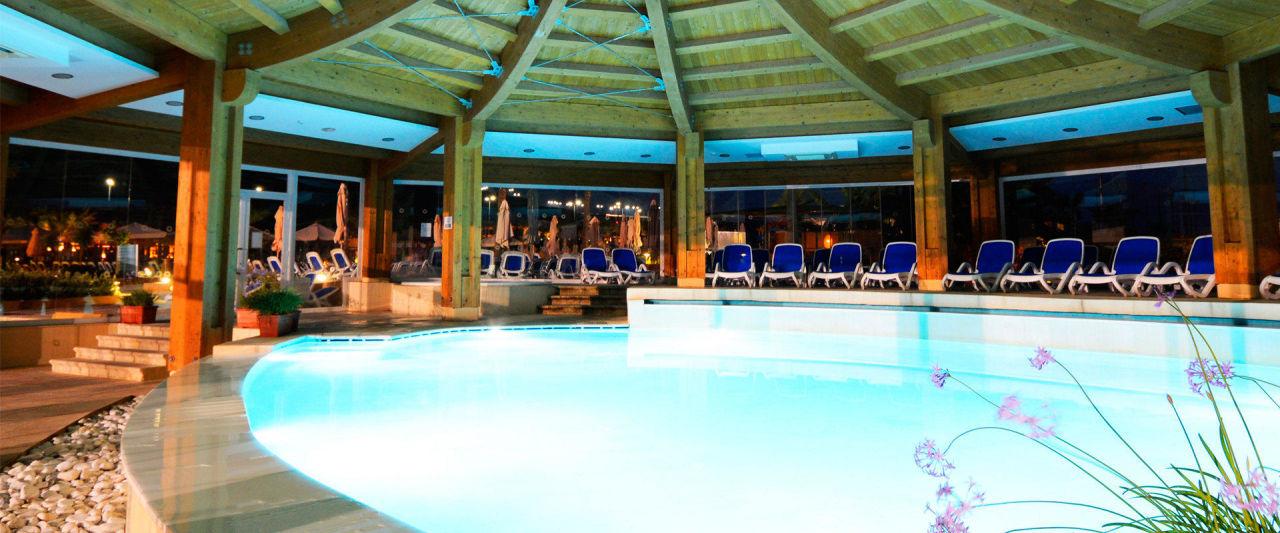Heated Indoor Outdoor Pool - Seabank Resort + Spa\