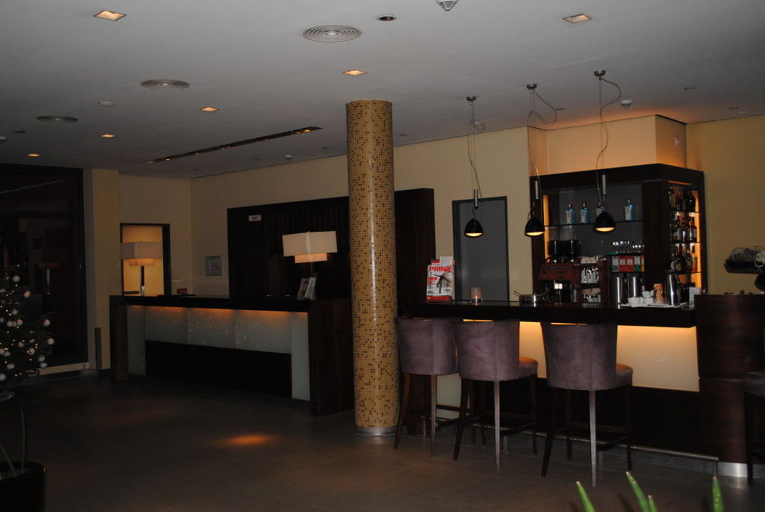 rezeption bar hotel santo k ln holidaycheck nordrhein westfalen deutschland. Black Bedroom Furniture Sets. Home Design Ideas