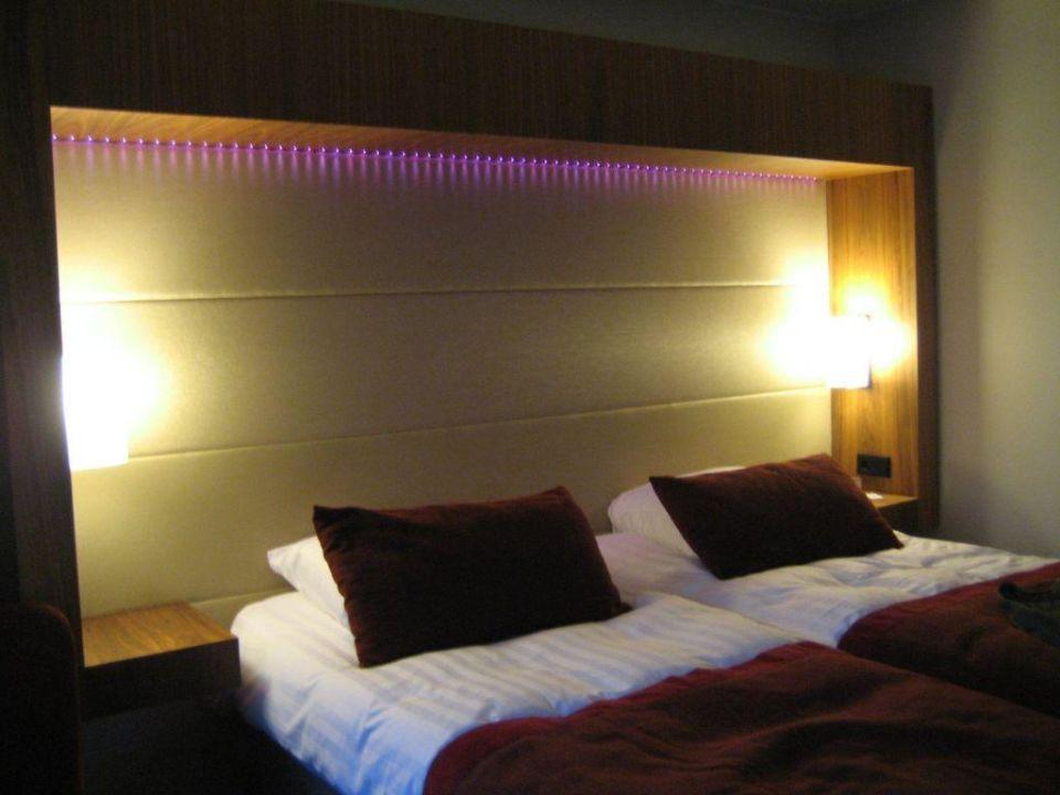 Bett Mit Schones Leuchten Leiste Radisson Blu Hotel Royal Helsinki