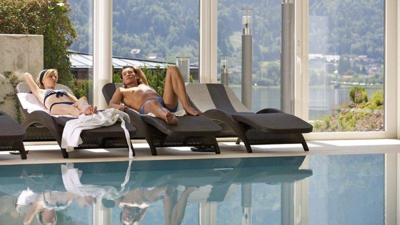 Pool mit Gegenstromanlage und Massagedüsen Apart Hotel Legendär