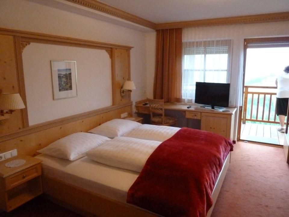 Schlafbereich Mit Balkon Hotel Zur Schonen Aussicht Hollbruck