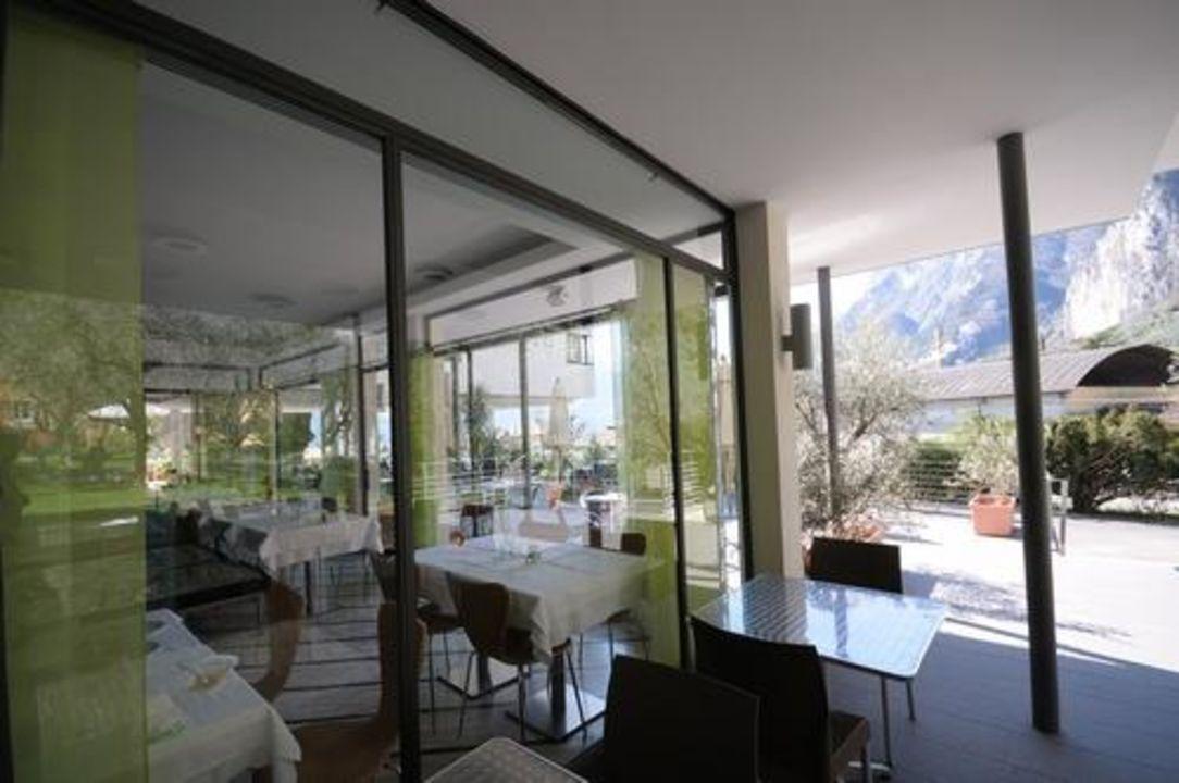 Überdachte Terrasse zum Restaurant Active & Family Hotel Gioiosa