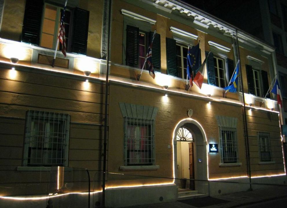 Night view Hotel Novecento