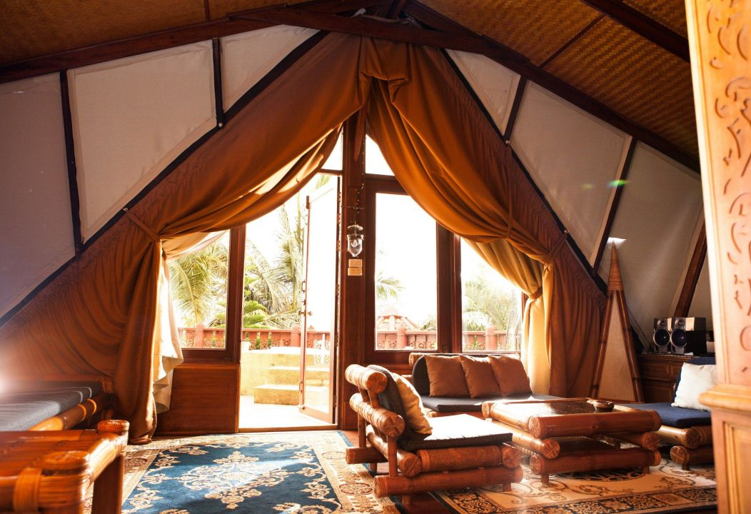 vorhang im haupt schlafzimmer mit balkon villa jfk koh samui ban bang po holidaycheck koh. Black Bedroom Furniture Sets. Home Design Ideas