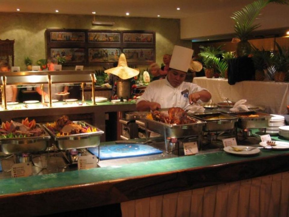 Restaurant La Laguna  Sandos Caracol Eco Resort