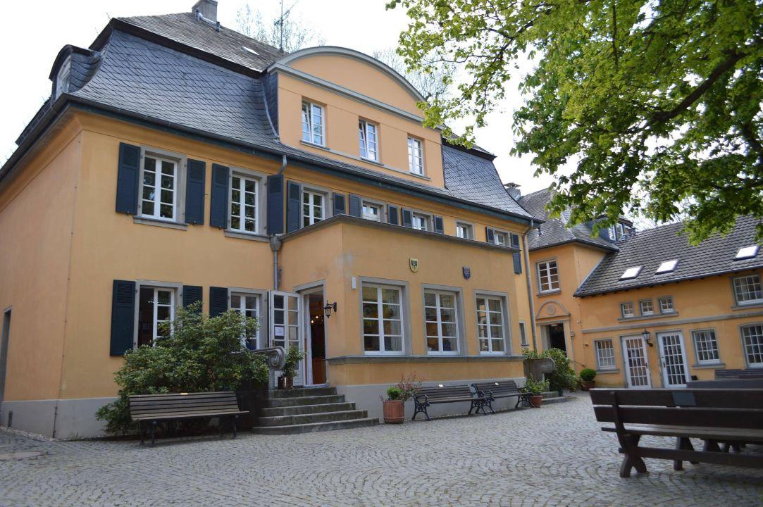 Innenhof Haus Schlesien Haus Schlesien Konigswinter