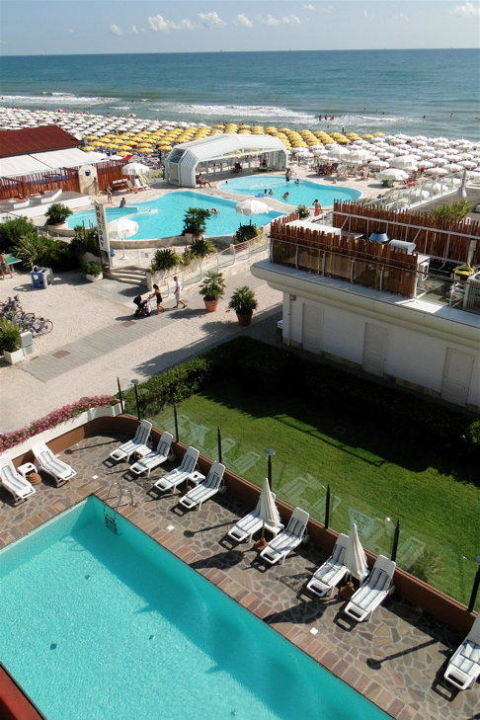 Piscina hotel+ piscina spiaggia Hotel Benini