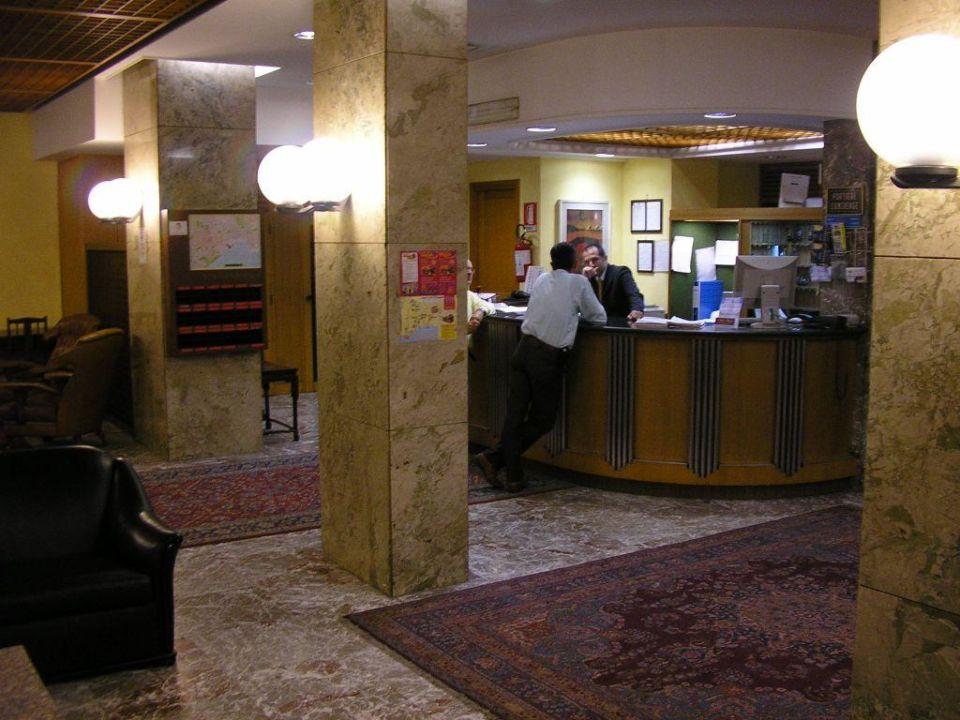 Die Rezeption des Hotel Ponte (Palermo) Hotel Ponte