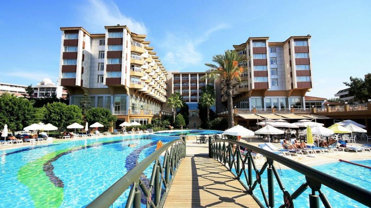 Hotel mit Pool Hotel Terrace Beach Resort