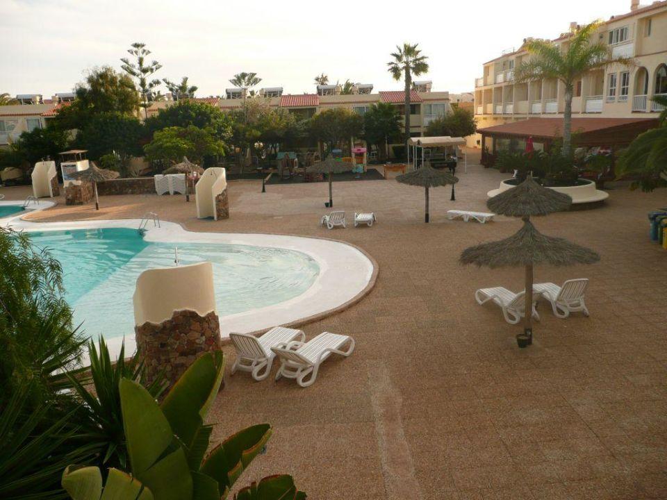 blick vom balkon auf pool smartline playa park. Black Bedroom Furniture Sets. Home Design Ideas