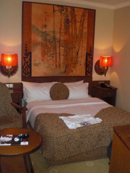 Großes Bett Lindner Hotel Prague Castle