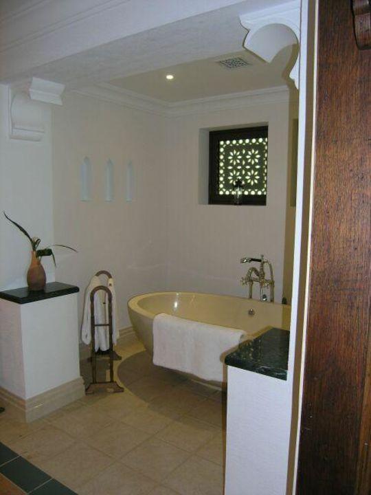 Dar al Masyaf - Dar al Masyaf - freistehende Badewanne im Vi Hotel Madinat Jumeirah - Dar Al Masyaf