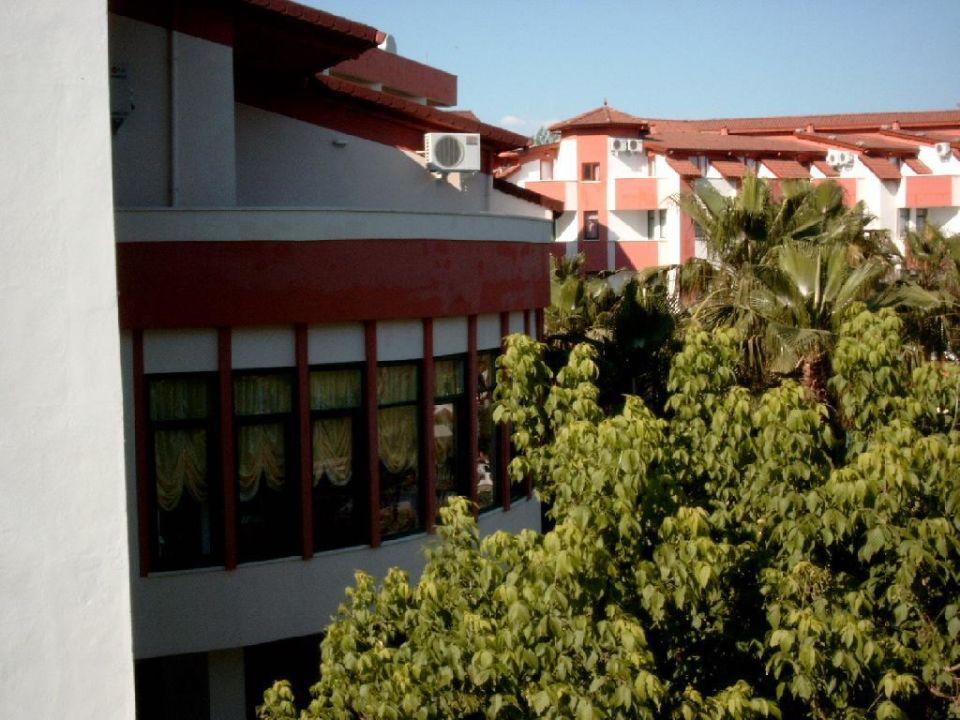 Speiselsaal aus Sicht vom Zimmer Nergos Garden Hotel
