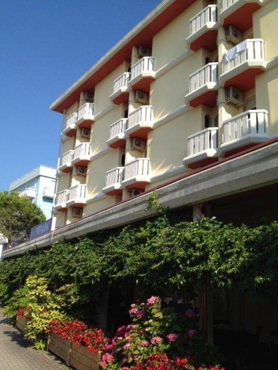 Facciata principale Hotel Nevada