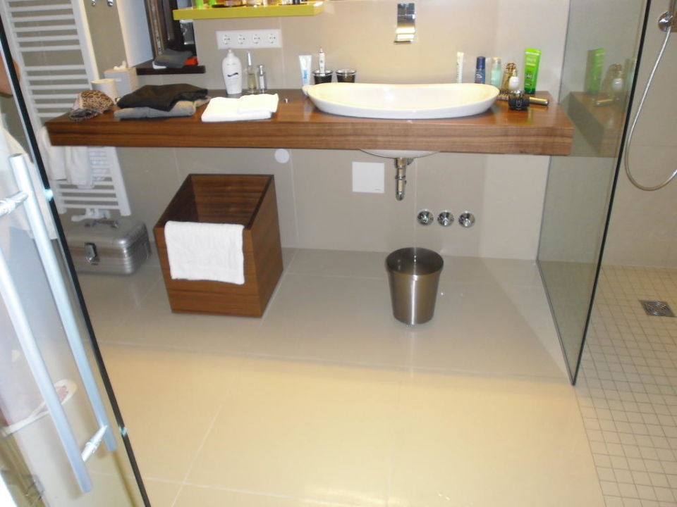 Bild hofeinfahrt hofinnenraum zu designhotel gius la for Designhotel 21