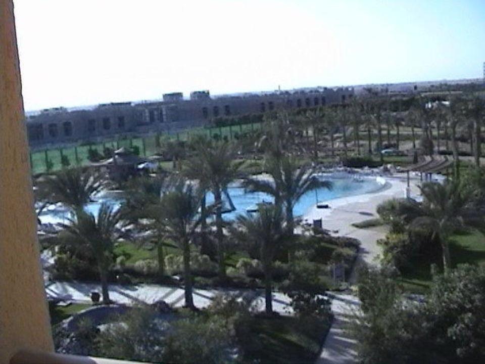 Blick vom Balkon, Zimmer 1305 Steigenberger Hotel al Dau Club  (existiert nicht mehr)