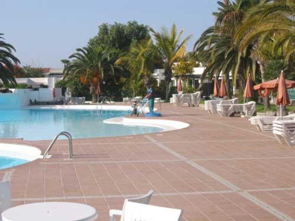 Die Poolreinigung - Maspalomas Lago Hotel Maspalomas Lago