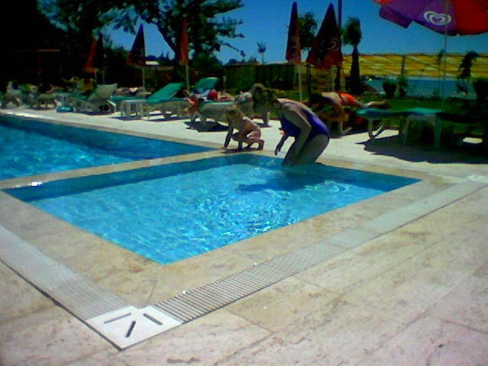 Pool  Hotel Altinkum Bungalows