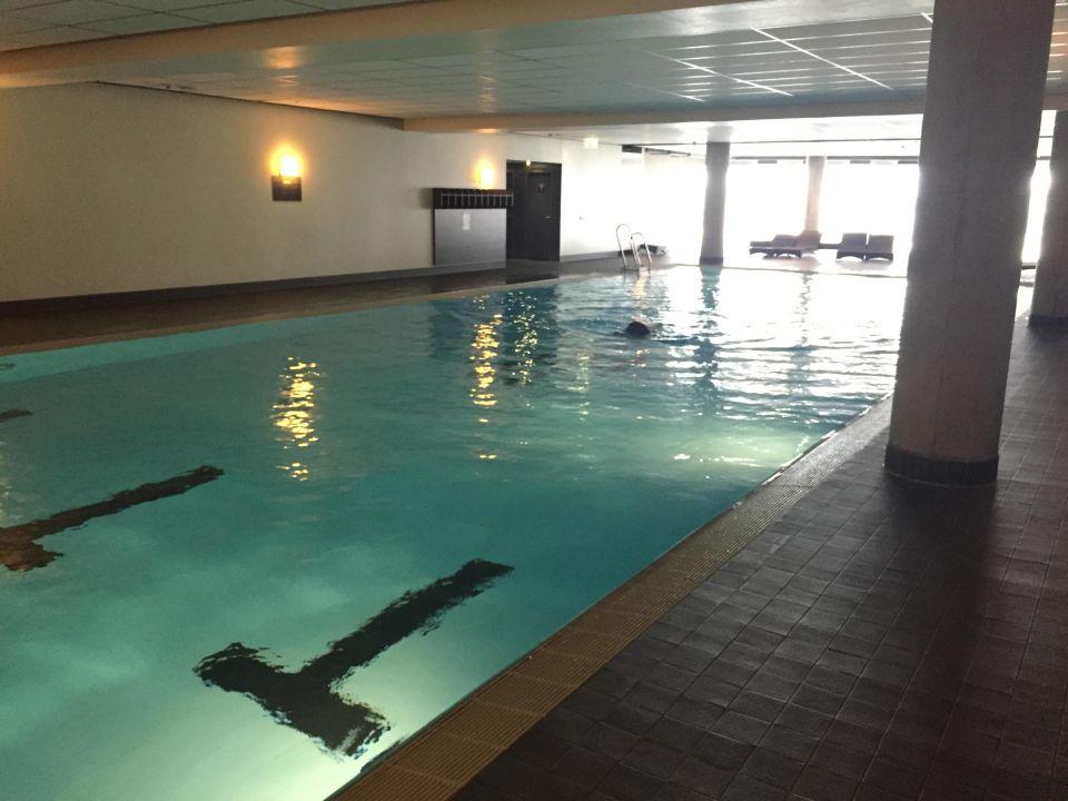 Pool im fitnessfirst hotel jumeirah frankfurt frankfurt am main holidaycheck hessen - Pool frankfurt ...