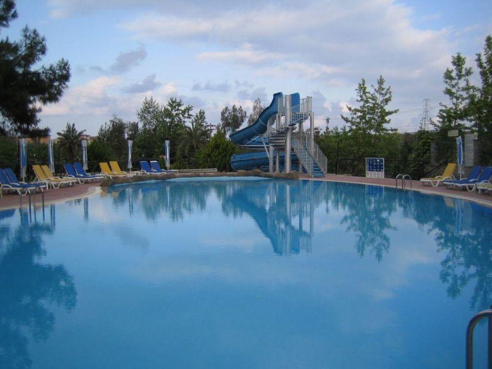 -oberer Pool mit Rutsche- Dosi Hotel