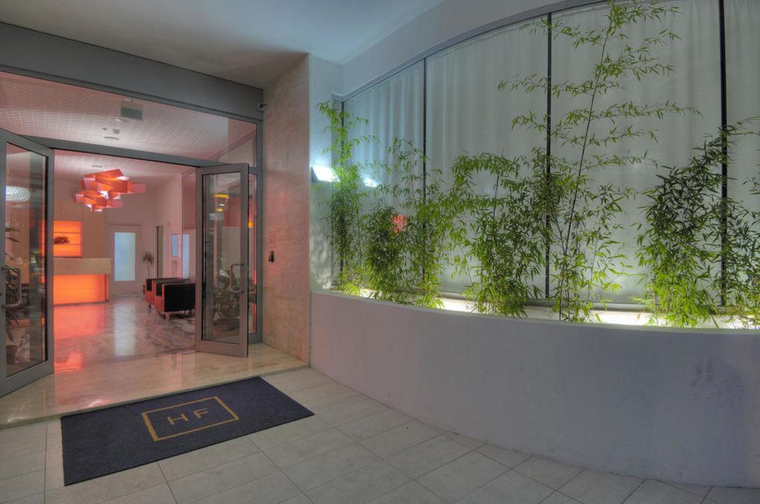 Entrance Hotel Firenze