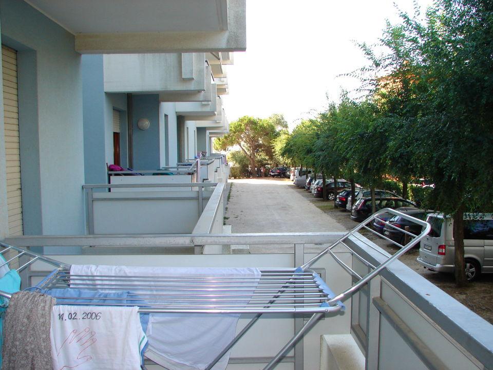 Blick aus dem Balkon vorne ist das Meer Apartments Marina Grande