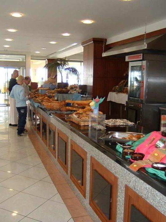 Speisesaal, Brotbuffet Maritim Pine Beach Belek