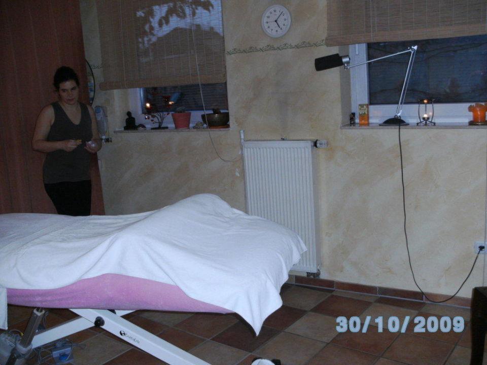 bild der jungbrunnen zu hotel wilder mann in aschaffenburg. Black Bedroom Furniture Sets. Home Design Ideas