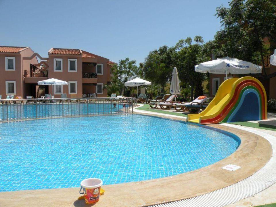 Kinderpool am Bungalowpool Club Yali Hotels & Resort