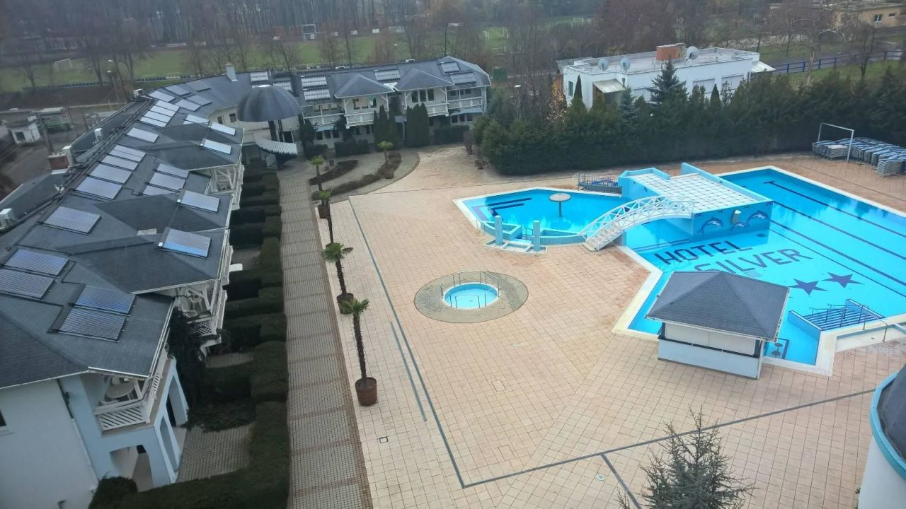 Pool Hotel Silver