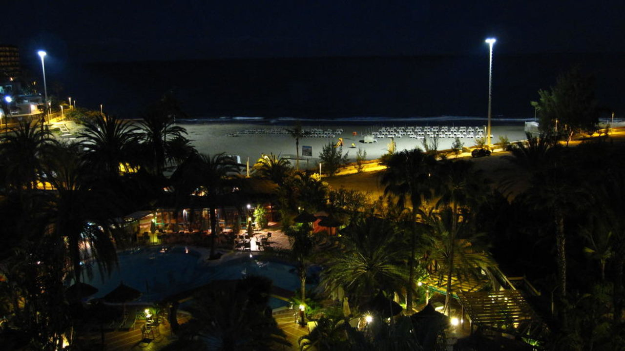 Zimmerausblick  zur Poollandschaft Corallium Beach by Lopesan Hotels - Adults only