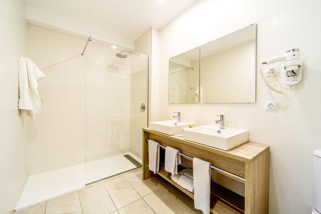 Zimmer Hotel Atolon