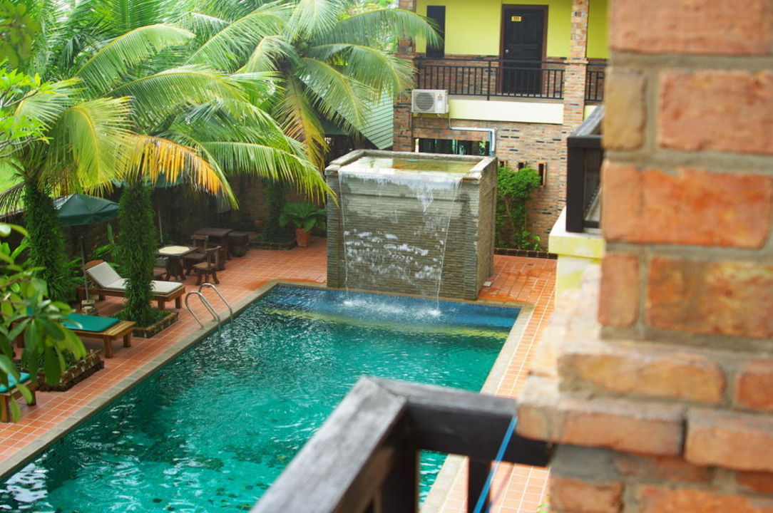Pool mit wasserfall hotel tony lodge motive cottage nang thong beach holidaycheck khao - Wasserfall pool ...