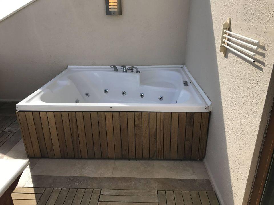 whirlpool auf der dachterrasse voyage belek golf spa belek holidaycheck t rkische. Black Bedroom Furniture Sets. Home Design Ideas