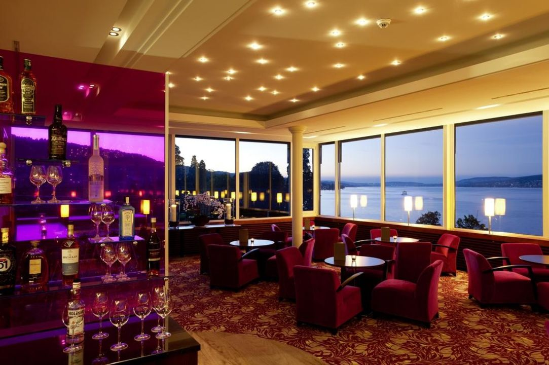 Bar au Lac im 5.Stock mit traumhafter Seesicht Hotel Meierhof
