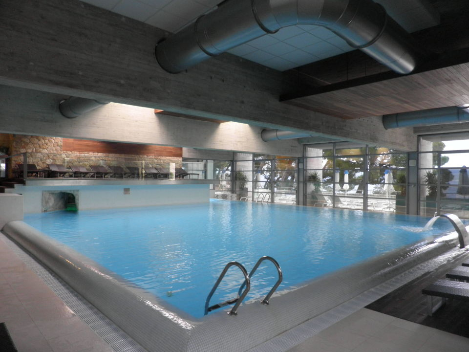 Indoor und Outdoor-Pool \