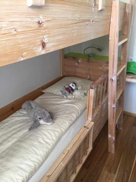 etagenbett kinderzimmer kinderhotel oberjoch bad hindelang holidaycheck bayern. Black Bedroom Furniture Sets. Home Design Ideas