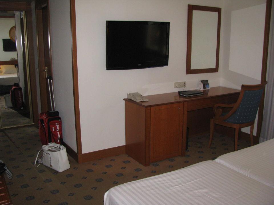 Schreibtisch, TV Hotel Melia Granada
