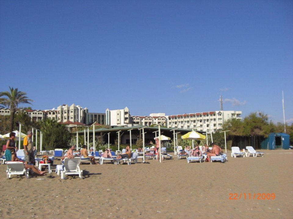 Blick vom Strand zum Hotel Arcanus Side Resort