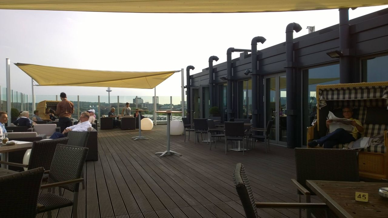 Dachterrasse der bar deck 8 atlantic hotel kiel in kiel for Design hotel deck 8