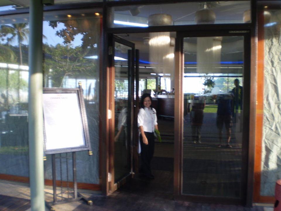 Frühstücksrestaurant im Ocean Wing Hotel Shangri-La Rasa Ria Resort
