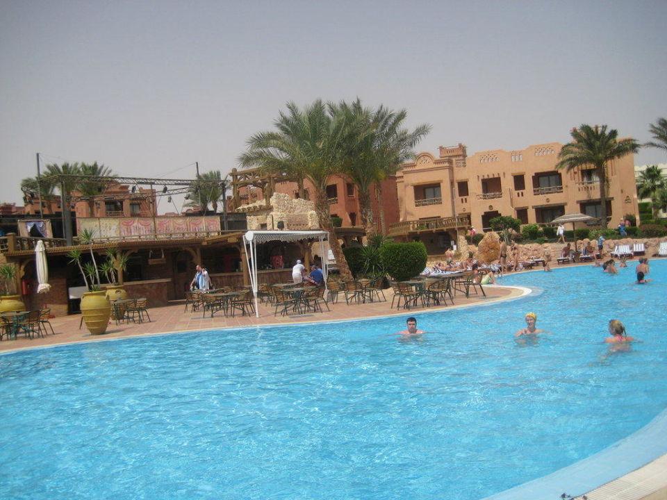 Pool Charmillion Sea Life Resort