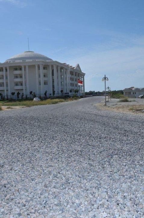 Wie gesagt, der Weg ist fertig Roma Beach Resort & Spa
