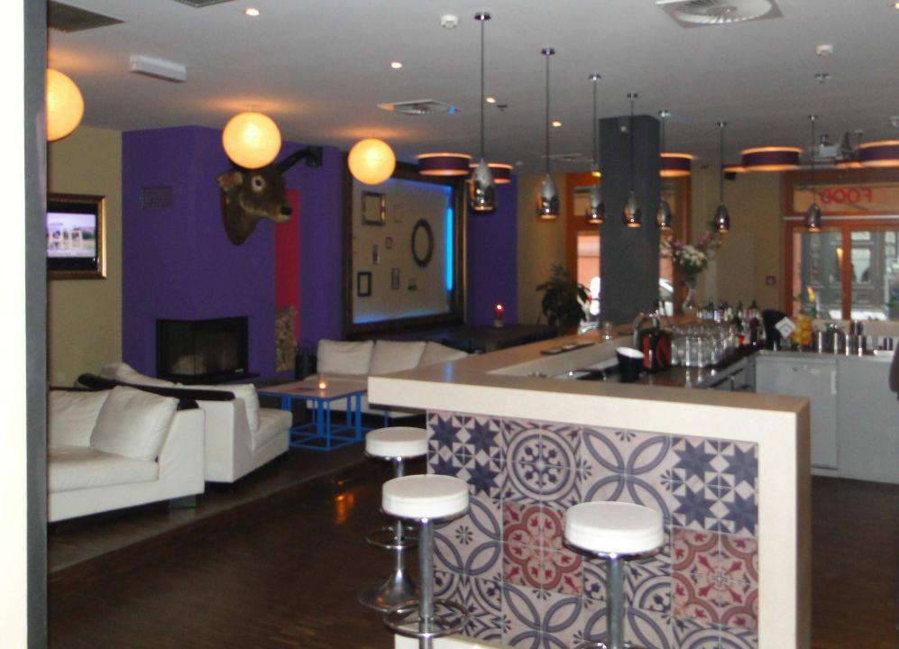 Lounge (Bar und Frühstück)\