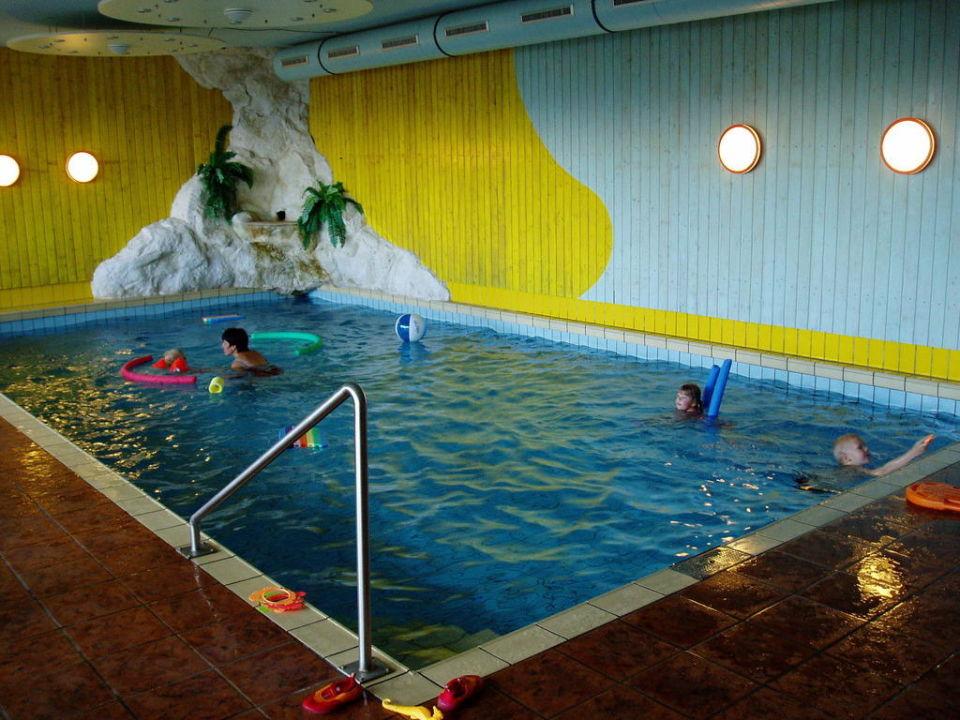 Das Schwimmbad Sonnenhotel Zaubek (Treffen