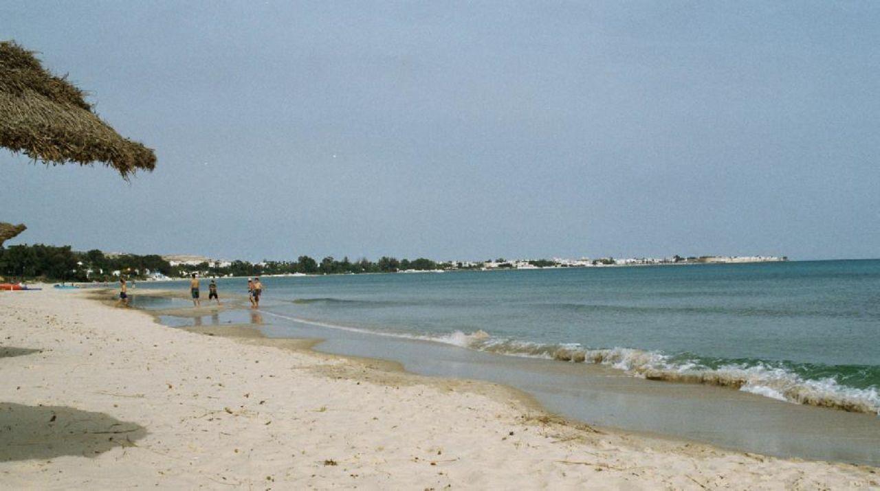Strand vom Miramar mit Blick zur Festung von Hammamet Hotel Riviera